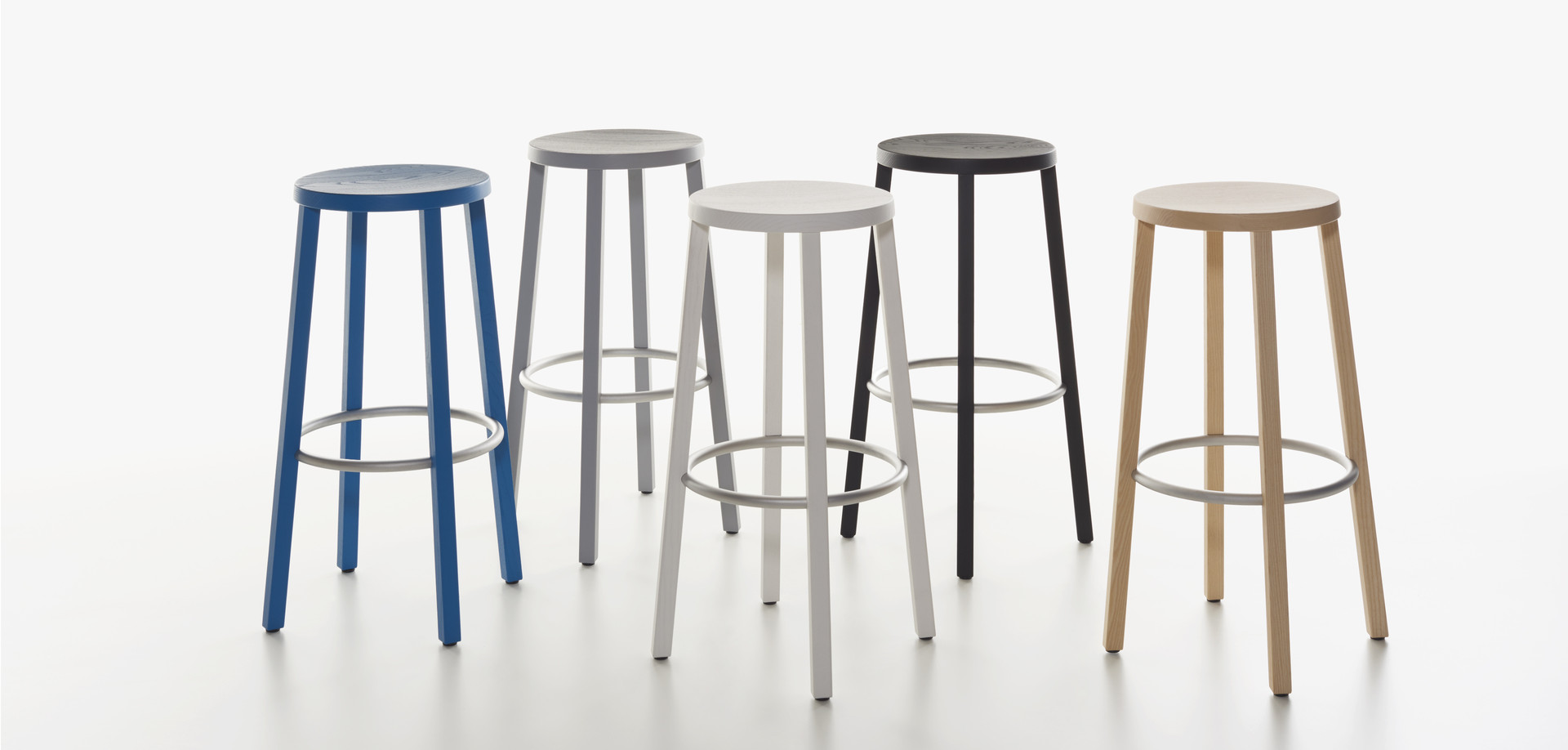 Plank - BLOCCO stool in the colors ash natural, black, grey, white and blue.