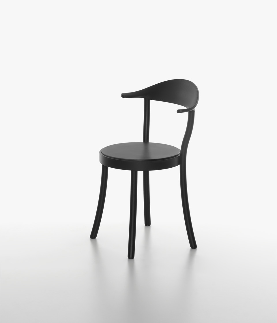 Plank - MONZA BISTRO chair, beech black, backrest and seat in black.